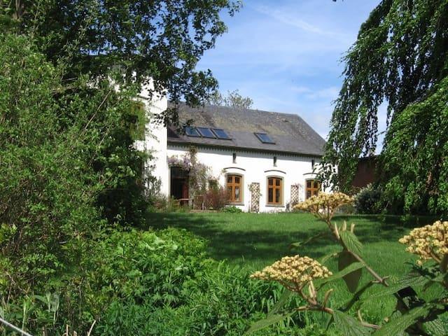 Großzügige Wohnung im Landhaus      - Stoltebüll - Appartement