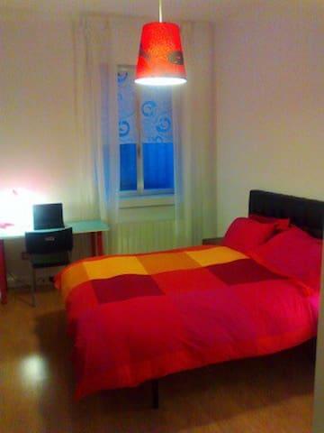 Habitacion Doble, junto al Ayuntamiento - Bilbao - Huis