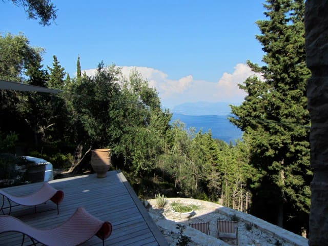 Bed and breakfast in an architect-designed house - Loggos, Paxos - Bed & Breakfast