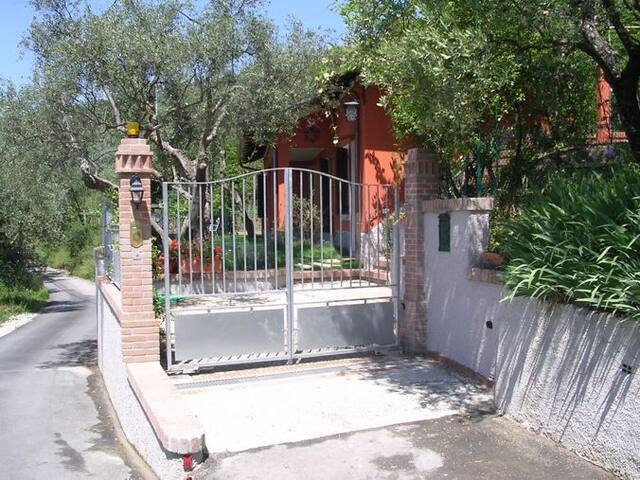 Villetta singola con giardino priv. - Castelnuovo magra - Hus