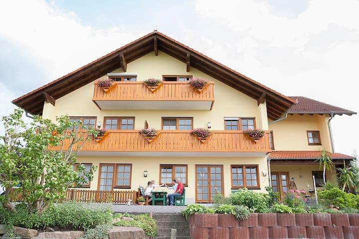 Ferienwohnung im Odenwald - Bad König-Momart - Apartamento