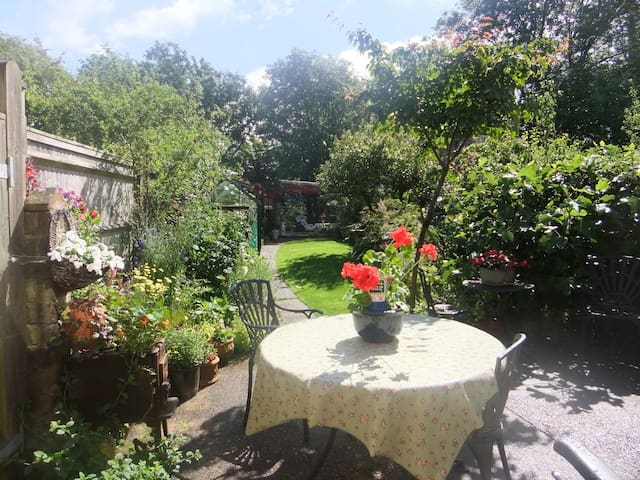 one or two double rooms,£40 per room,withbreakfast - Hailsham - Pousada