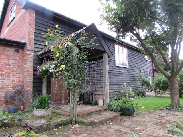 Hayloft at The Stables - Gissing - Haus