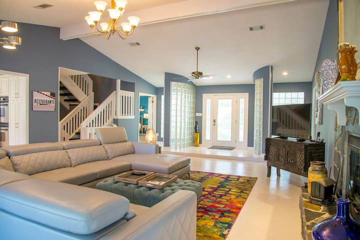 3/2.5 Beautifully Decorated Spacious Home on Water - Pace