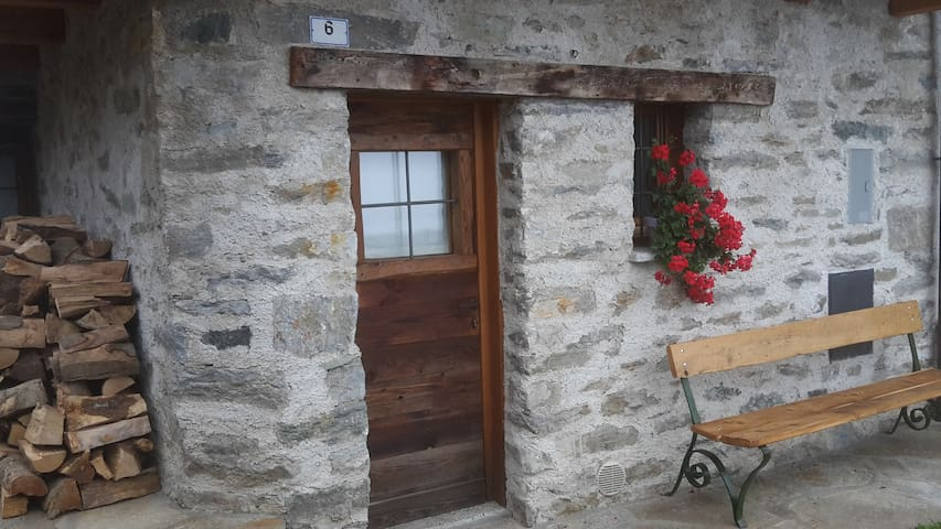 B&B Champorcher: independent unit above the clouds - Champorcher - Bed & Breakfast