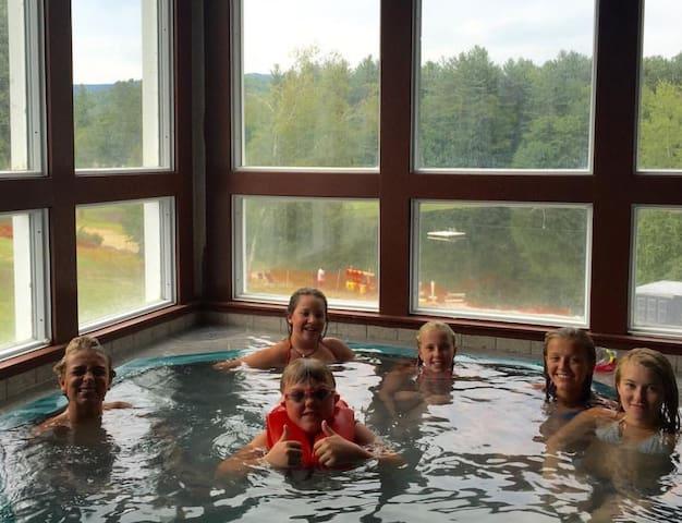 Waterville Retreat-views,pools,ski - Campton - Ev