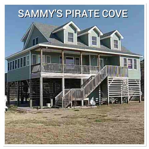 Sammy's Pirate Cove w/ private pool - Buxton - Huis