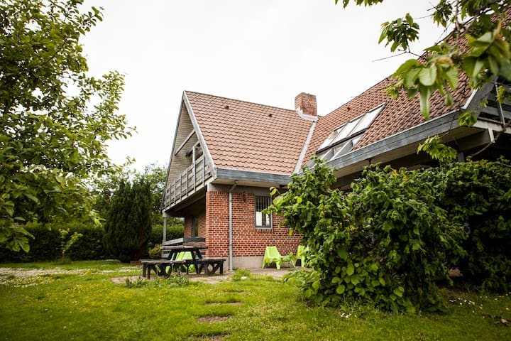Large private house. Garden&Forrest - Hammel