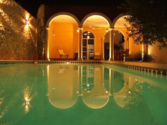 Quiet house with pool in Centro - Merida - Huis