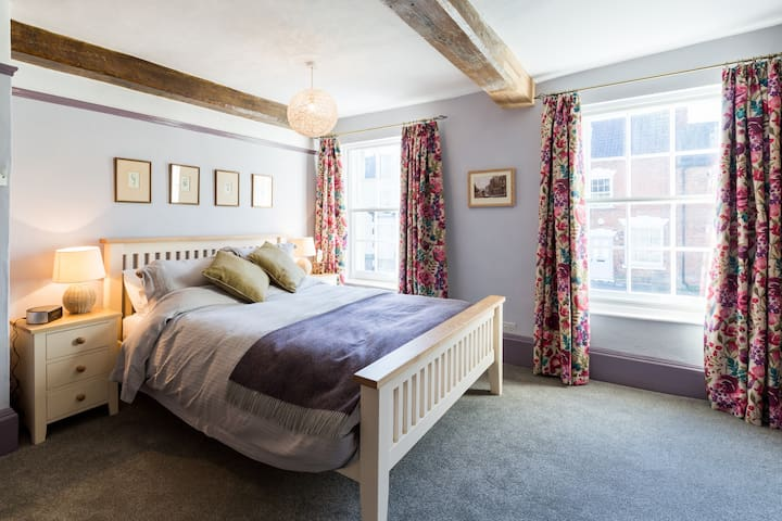 Church House Bed & Breakfast - Newnham
