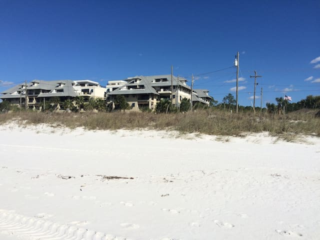 Upscale Condo with Ocean Views at Mexico Beach FL - Mexico Beach - Apto. en complejo residencial