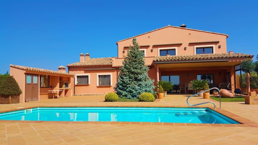 Schöne Villa mit Pool - Peralada