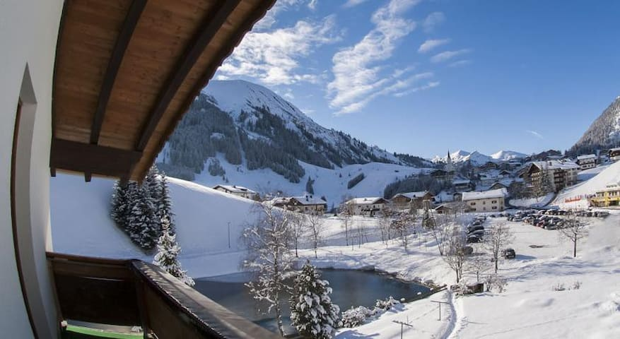 Haus Bergkristall - Berwang - Гестхаус