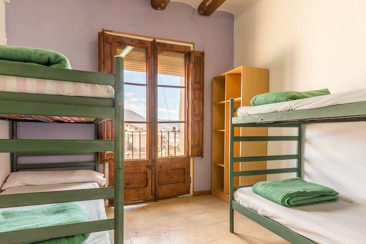 Alberg La Solana - 24 - Quadruple Room (3 - 4 Guests) - Salàs de Pallars