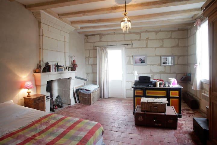 Belle chambre, Candes St Martin (37) - Candes-Saint-Martin - Hus
