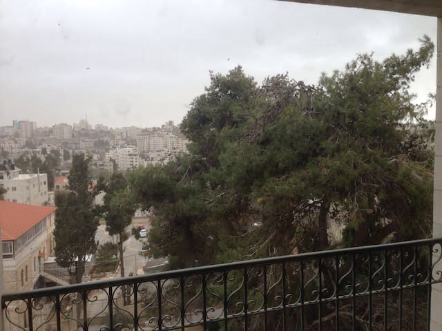 Spacious and comfortable apartment - Ramallah - Departamento