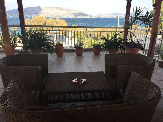 authentic Greek island oceanfront - Salamina - Wyspa