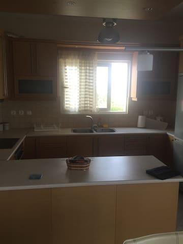 Διαμέρισμα 3υδ μπροστά στην θάλασσα - Ακράτα - Daire