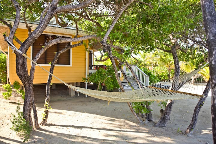 Beachfront One-Bedroom Bungalow at Barefoot Cay - Brick Bay - Bungalow