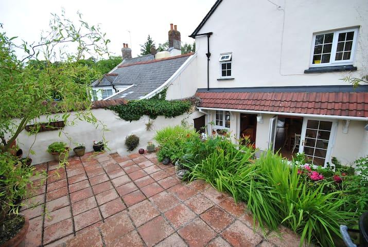 2/3 bedroom cottage in Barnstaple, North Devon. - Barnstaple - Casa