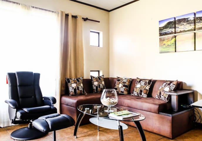 Cozy, fun, open space. CR experts. - Turrialba - Pis