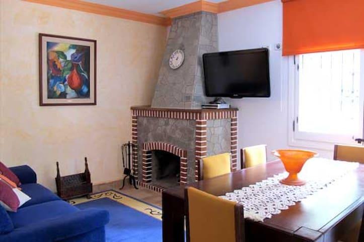 Tu apartamento de montaña con piscina - Sant Llorenç de Morunys - Leilighet