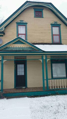 Old World Charm B&B - Grand Forks - Rumah