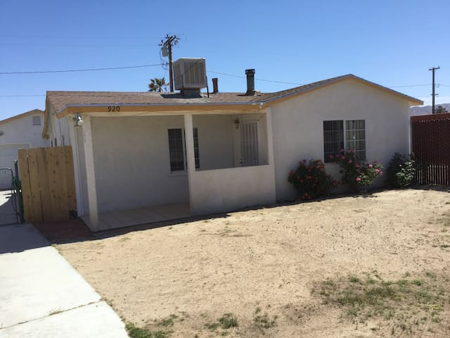Single Home - Desert Oasis - Ridgecrest - Talo