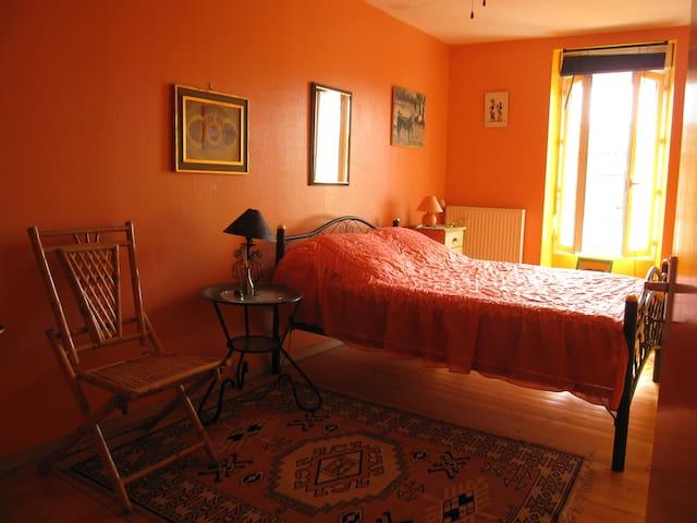 Jolies chambres à thème coeur Médoc - Pauillac - Bed & Breakfast
