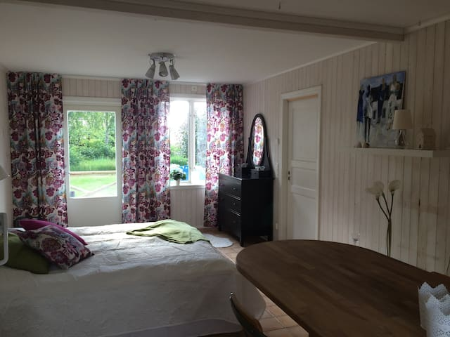 Studio close to the beach, shopping and adventures - Laholm V