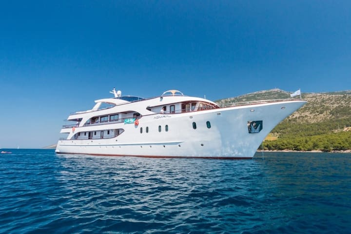 7-Day All Inclusive Round Cruise from Opatija - Opatija - Bateau