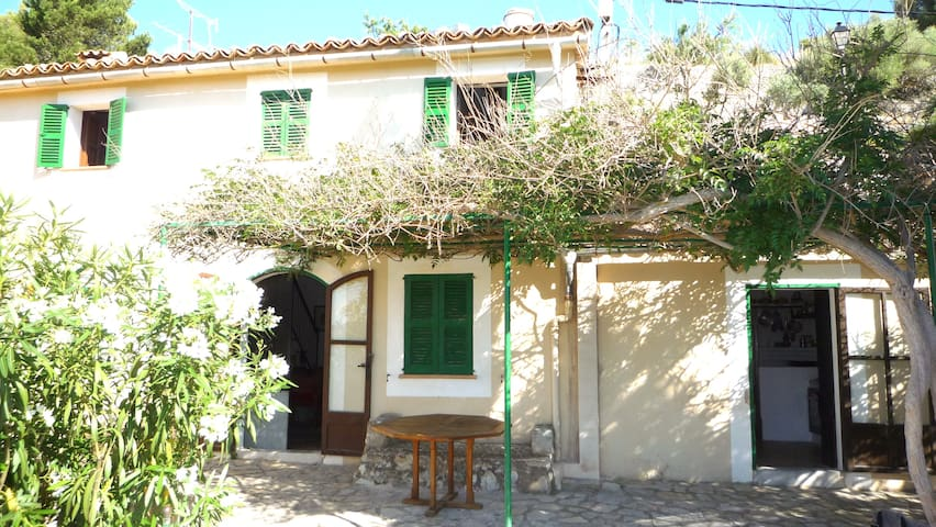 Lovely house located in Galilea - Puigpunyent - Rumah