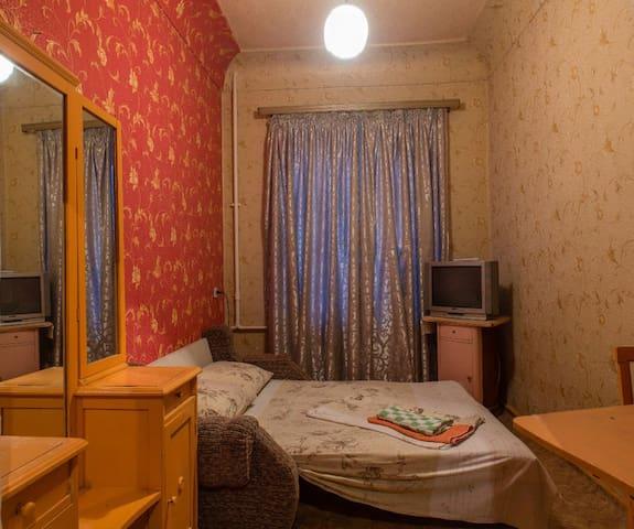 Своя 2к кв м. Холодная гора 900 м. - Kharkiv - Appartement