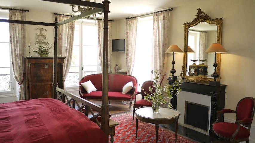 Château de Pommeuse >  Ch. Candé - Pommeuse - Bed & Breakfast