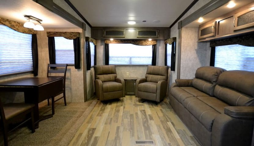 Luxury RV Living - Lot #3 - Brazoria - Husbil/husvagn