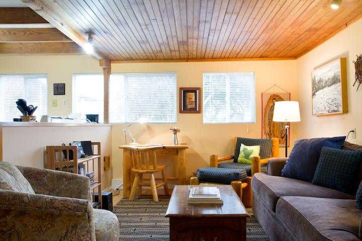 Organic Farm Cottage: Bow-Edison - Bow - Houten huisje