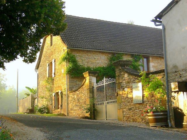 Dordogne period cottage built 1867 - Condat-sur-Vézère - Ev