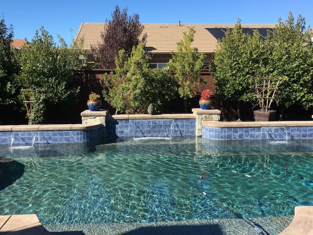 Sanctuary in Elk Grove? Yes! - Elk Grove - Huis