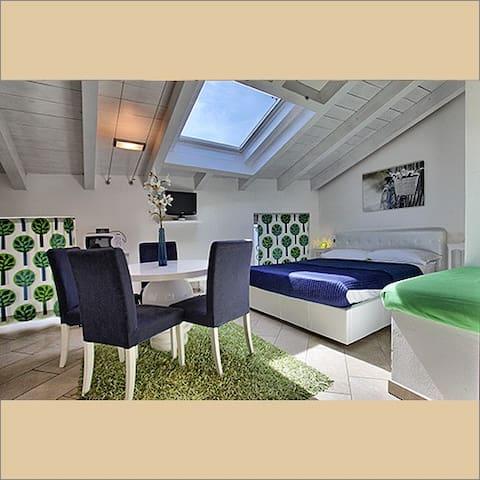 appartamenti in villa con piscina - Malgrate - Hus