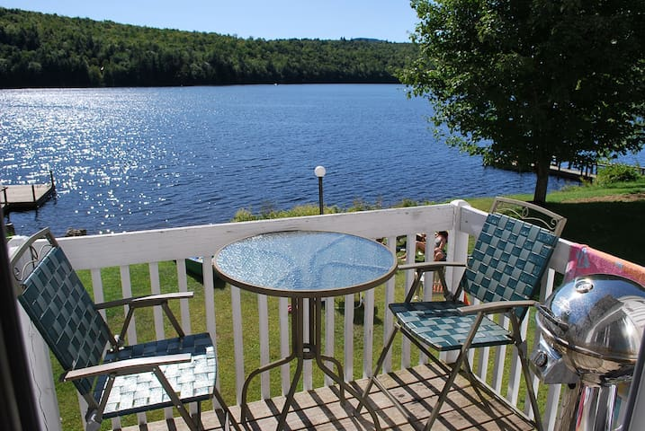 Waterfront Condo close to Skiing - Woodstock - Lägenhet