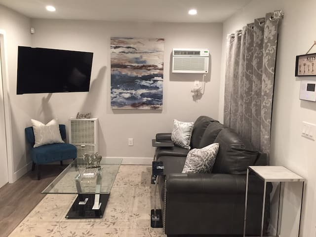 Fabulously Cute and Cozy 1 bedroom Condo - Los Angeles - Condo