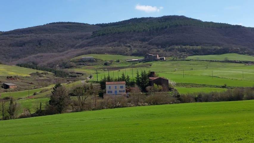La Grange Basse - House peaceful - Gissac - Hus