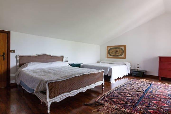 Quadruple room in Romantic Country House - Ravenna - Ev