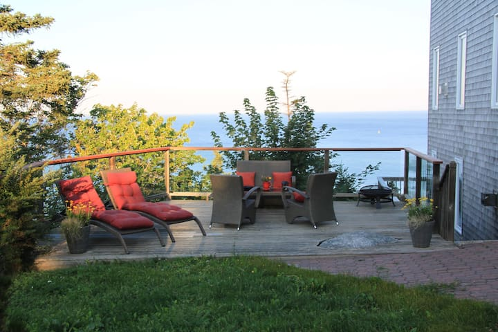 Most outstanding place on a cliff - Herring Cove