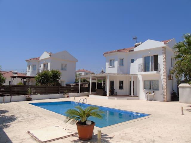 Villa Margarita - Agia Thekla - Maison