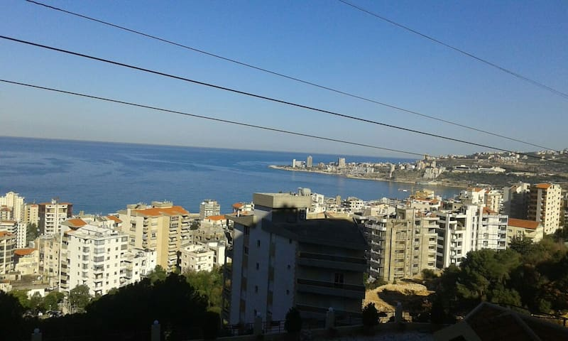Quiet and relaxing atmosphere close to the city. - Jounieh - Appartement