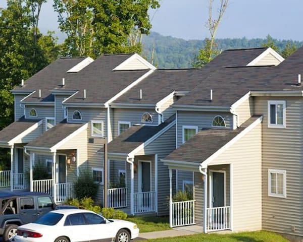 *East Stroudsburg,PA, 1 Bdrm#1/0251 - East Stroudsburg - Apartament
