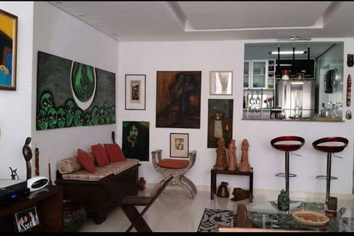 Confortável apartamento em BH com dois quartos - Belo Horizonte - Departamento