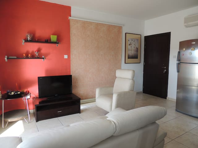 Stylish, luxury one bedroom Apartment - Latsia