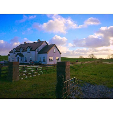 Modern 5 Bedroom Country / Lake - Mullingar - Haus
